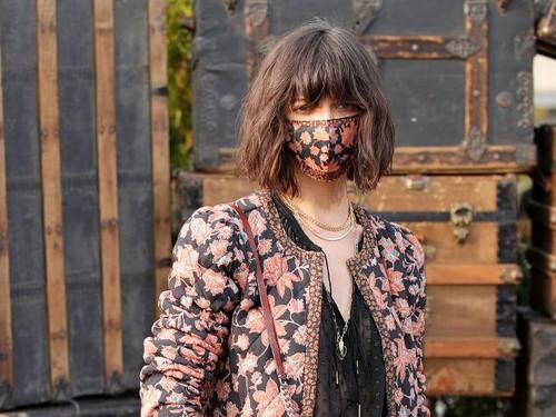 8 Aksi Model Bermasker di New York Fashion Week