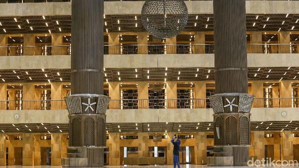 Setelah dilakukan revitalisasi, Masjid Istiqlal pun terlihat bertambah indah. (Grandyos Zafna/detikcom)