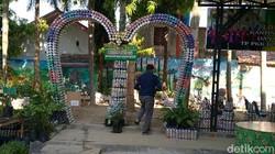 Potret Taman dari 6 Ton Sampah Plastik di Batang