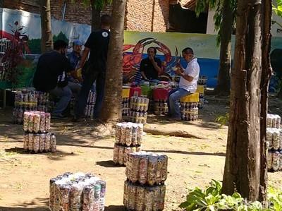Kreasi Emak-emak Batang, Taman Cantik dari 6 Ton Sampah Plastik