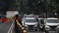 Sejumlah Persimpangan Macet Imbas Buka Tutup Jalan di Kota Bandung