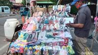 Jualan Sepi, Pedagang Masker Scuba Minta Bantuan untuk Bertahan Hidup