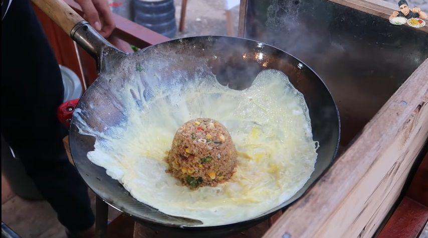 Mantan Chef di Brunei Darussalam Jualan Nasi Goreng Kaki Lima
