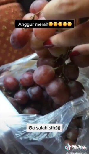 Pesan 'Anggur Merah' Lewat Ojol, Wanita Ini Malah Dibelikan Buah Anggur