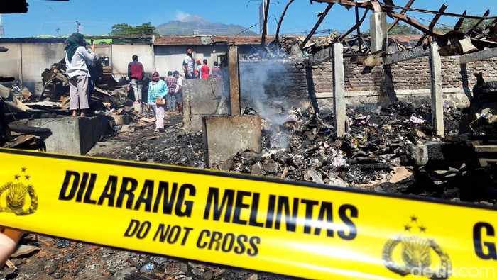Kebakaran melanda pasar tradisional Cepogo, Kecamatan Cepogo, Boyolali, Jumat (19/9/2020).