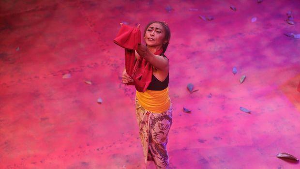 Pertunjukan Teater Srintil