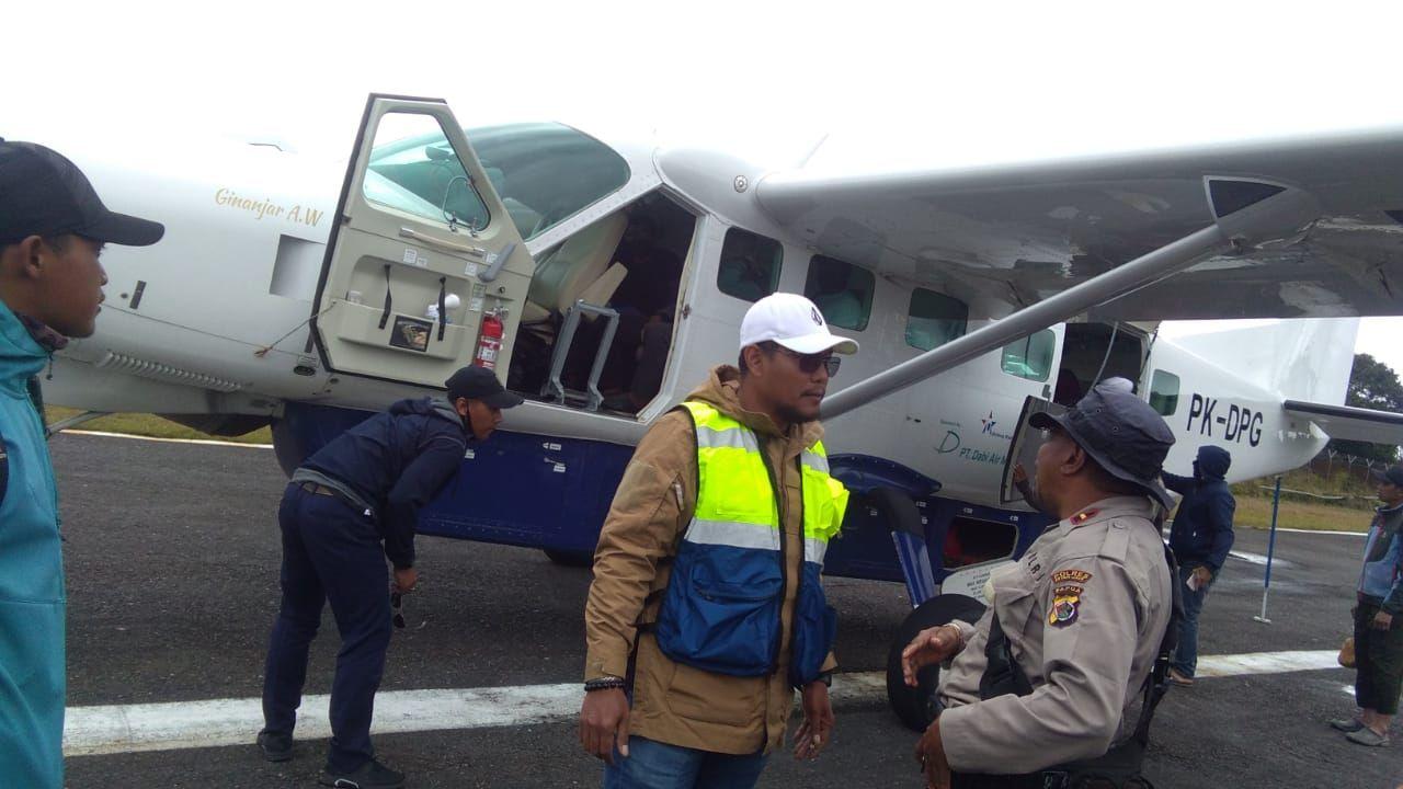 Pesawat Dabi Air sempat ditembaki kelompok kriminal bersenjata (KKB) di Bandara Bilorai Intan Jaya (dok Polda Papua)