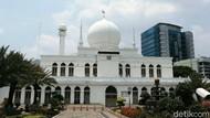 Masjid Al Azhar Jaksel Tetap Gelar Salat Jumat, Kapasitas 25 Persen