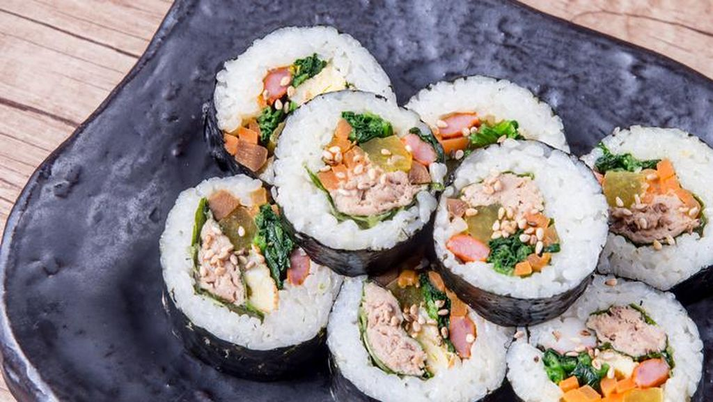 Korea Punya 5 Olahan Seafood Enak, Chamchi Kimbab hingga Sannakji