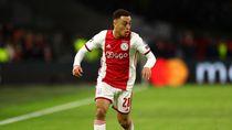 Bayern dan Barcelona Berebut Bek Muda Ajax Ini