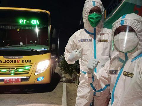 Sopir Bus Sekolah yang mengantar pasien Corona ke Wisma Atlet sejak pandemi
