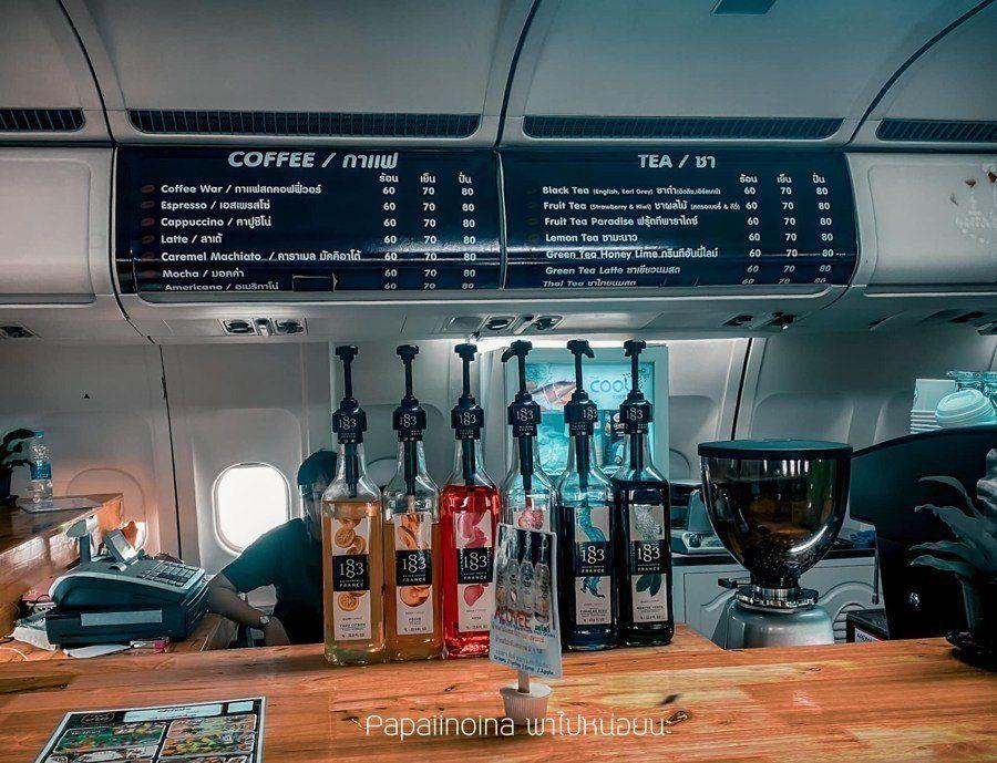Tanpa Terbang, di Kafe Dalam Pesawat Ini Bisa Ngopi Sambil Makan
