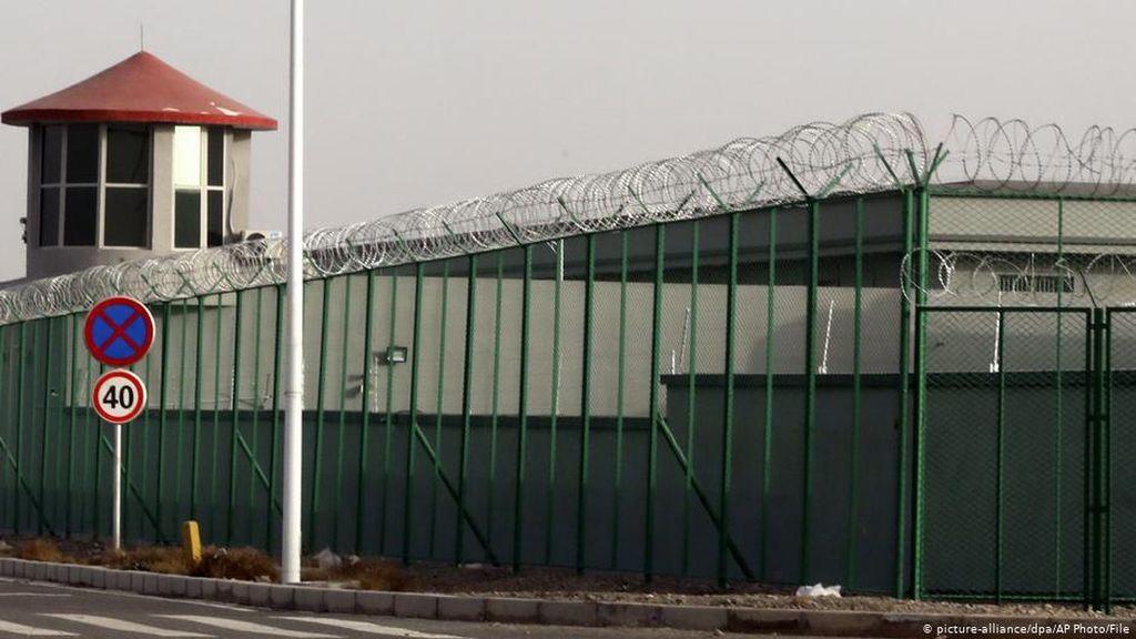 Dituduh Belanda Lakukan Genosida pada Uighur, Ini Kata China
