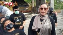 Istri Didi Kempot Bicara soal Agama Dory Harsa