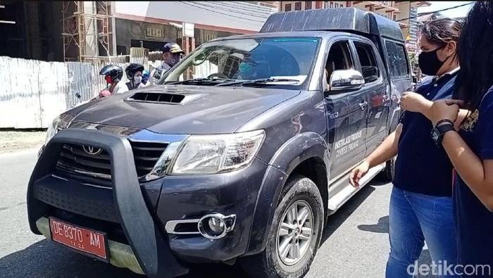 Kelebihan kapasitas, mobil Gugus Tugas COVID-19 Maluku kena razia operasi yustisi di Ambon (Muslimin Abbas/detikcom)