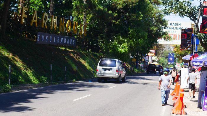 Pembelakuan Pembatasan Sosial Berskala Besar (PSBB) di Jakarta berdampak pada objek wisata di Lembang, Kabupaten Bandung Barat. Pada akhir pekan, objek wisata di Lembang sepi pengunjung.
