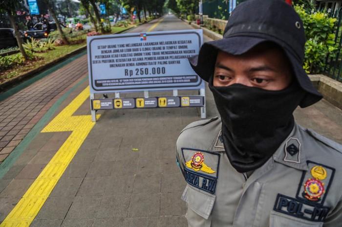 Pedestrian di Kebun Raya Bogor Sepi di Hari Pertama Sterilisasi