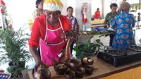 Perajin Papua Sulap Batok Kelapa Jadi Produk Bernilai Jutaan