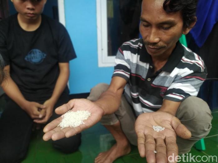 Beras bansos bercampur plastik di cianjur