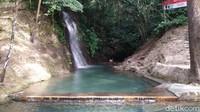 Potret Curug Cipeteuy, Wisata Alam Favorit Ridwan Kamil