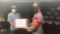 Polres Pelabuhan Tanjung Priok Bantu Korban Kebakaran di Kalibaru