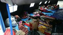 Korban Kebakaran Bungur Bertahan di Tenda Pengungsian