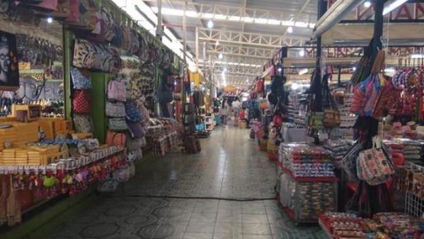 Pasar populer di Phuket.
