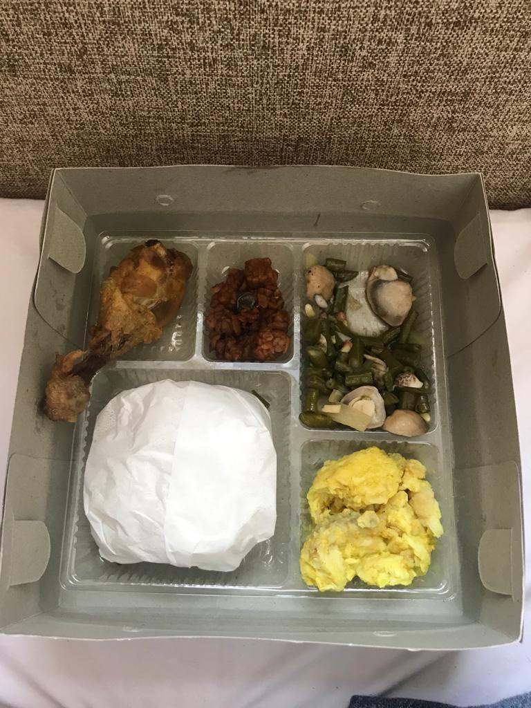 Menu makanan di tempat isolasi COVID-19, Wisma Atlet, Kemayoran. (Dok pribadi Christman Datubara)