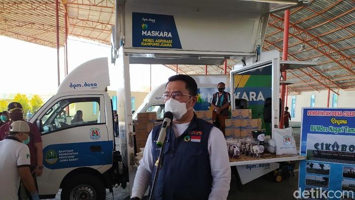 Ridwan Kamil salurkan mobil aspirasi maskara ke cirebon
