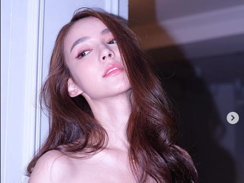8 Foto Rinrada Yoshi, Aktris Transgender yang Lebih Cantik dari Wanita Asli