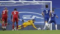 Alisson Jinakkan Penalti Jorginho yang Mematikan