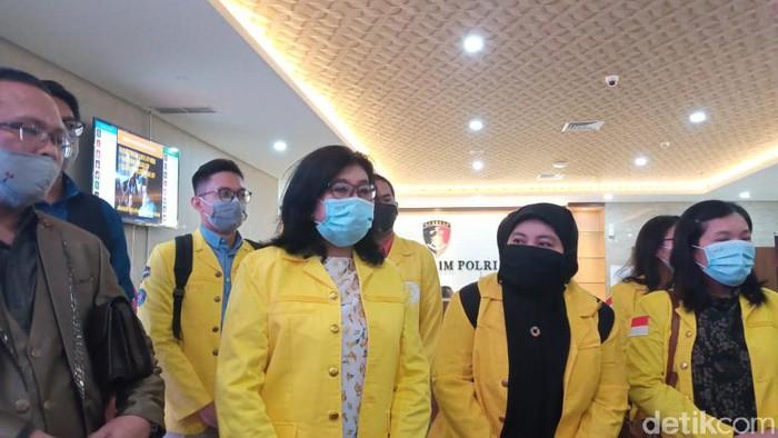 Civitas akademika Universitas Indonesia (UI) mendatangi Bareskrim
