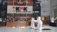 Gedung KPK Disemprot Disinfektan Usai 115 Pegawai-Nonpegawai Positif Corona