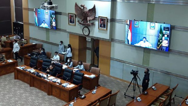 Jaksa Agung-Polri-Ketua KPK Hadir Virtual Saat Rapat