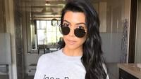 Foto: Penampilan Awet Muda Kourtney Kardashian di Usia 41