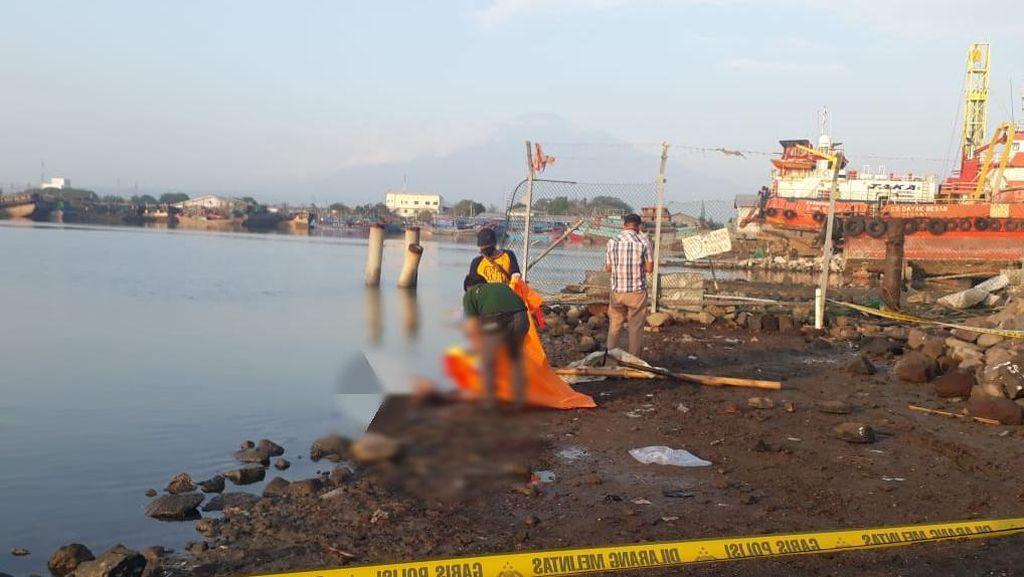 Mayat Perempuan Tanpa Busana Ditemukan di Pelabuhan Kejawanan Cirebon