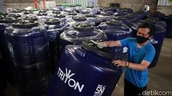 Melihat Pabrik Toren Air yang Tidak Goyah oleh Badai Pandemi