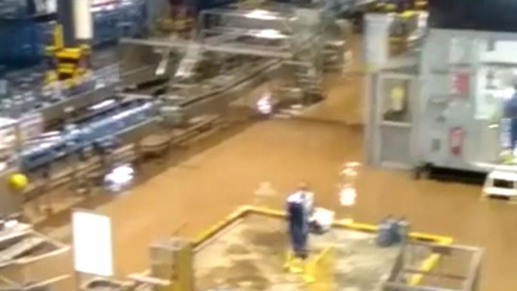 Pabrik Aqua Tutup Sementara Gegara Banjir, Resesi di Akhir September