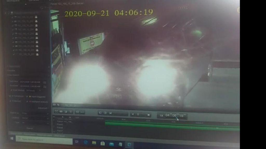 Jabar Hari Ini: Pemobil Terobos Mapolres Tasik-Bendung Katulampa Siaga 1