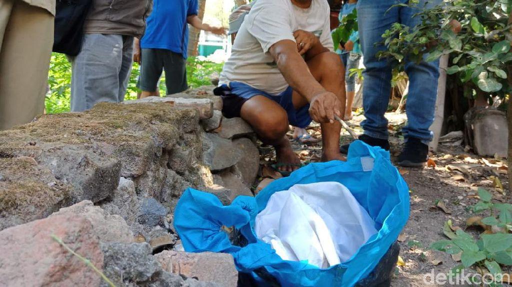 Kain Kafan yang Dicuri dari Makam Ibu Muda di Jombang Ditemukan