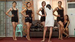 Perempuan Kamboja Ramai-ramai Protes RUU Larangan Rok Pendek