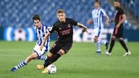 Gelandang Real Madrid Martin Odegaard Dilaporkan Positif COVID-19