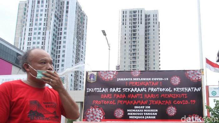 Pemprov DKI Jakarta menerapkan PSBB ketat sejak seminggu lalu. Epidemiolog menyebut belum ada perubahan kondisi pandemi Corona di Jakarta, dilihat dari perilaku masyarakat.