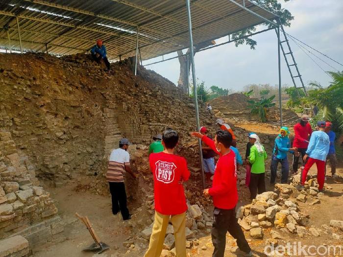 Ekskavasi Situs Candi Patakan tahap 4 dimulai hari ini. Situs ini berada di Desa Patakan, Kecamatan Sambeng, Lamongan.