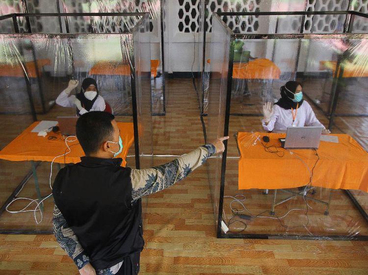Ada Bilik Khusus Bagi Peserta Tes CPNS yang Reaktif di Surabaya