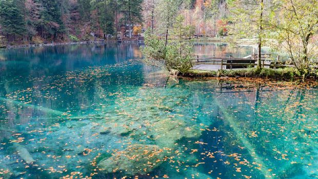 Danau Blausee  di Swiss