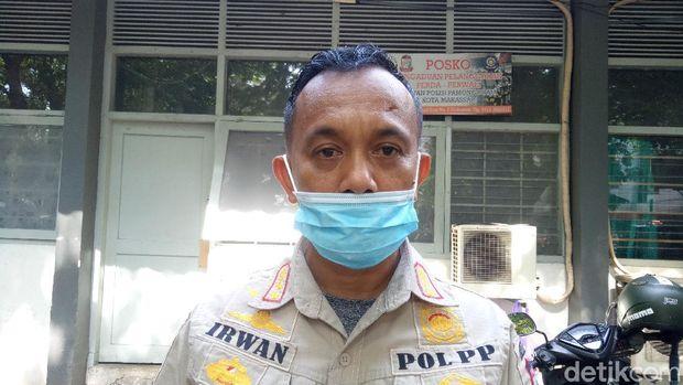 Kabid Penegakan Hukum Satpol PP Kota Makassar, Irwan P (Ibnu Munsir-detikcom).