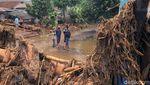 Kampung Cibuntu Luluh Lantak Diterjang Banjir Bandang