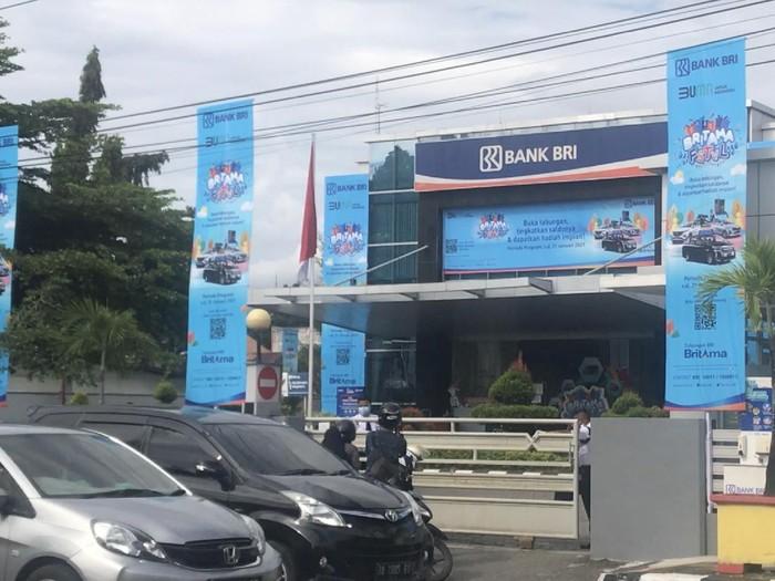 Kantor BRI di Padang ditutup usai 74 karyawannya positif COVID-19