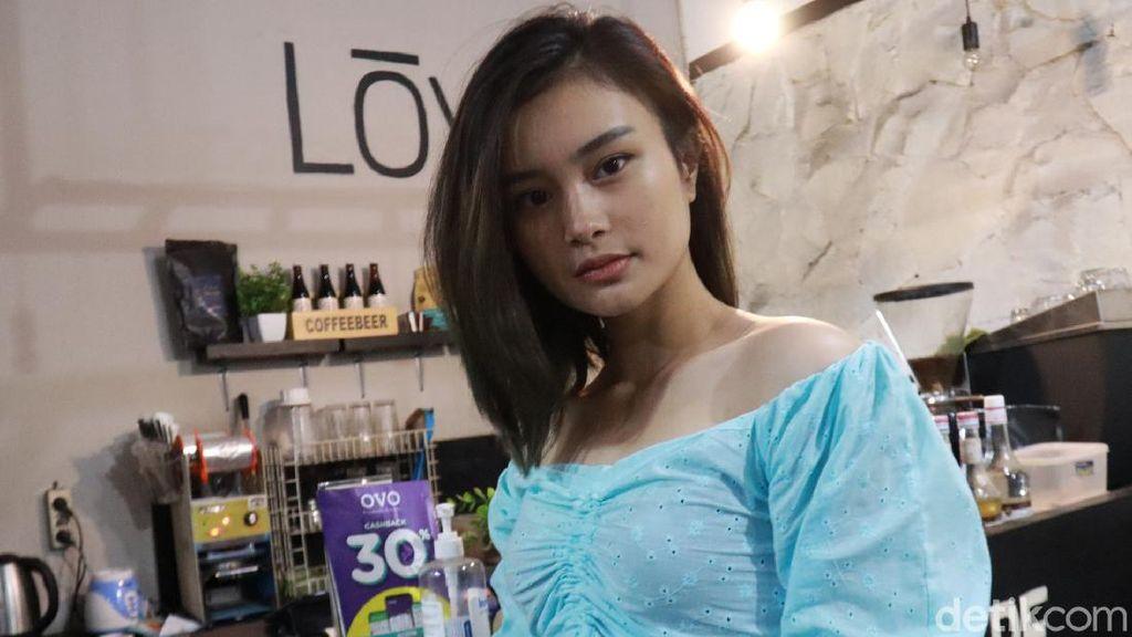 Liya Tampil Cantik di KTP dan Aksi Ade Londok Promosi Odading